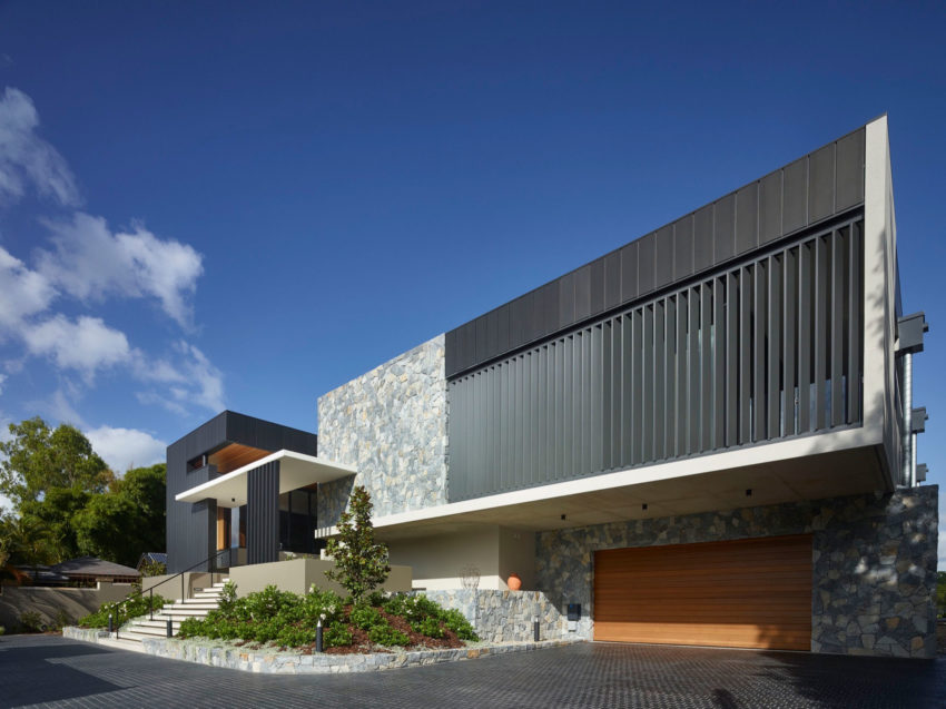 Ellivo Architects Design A Spacious Contemporary Home In