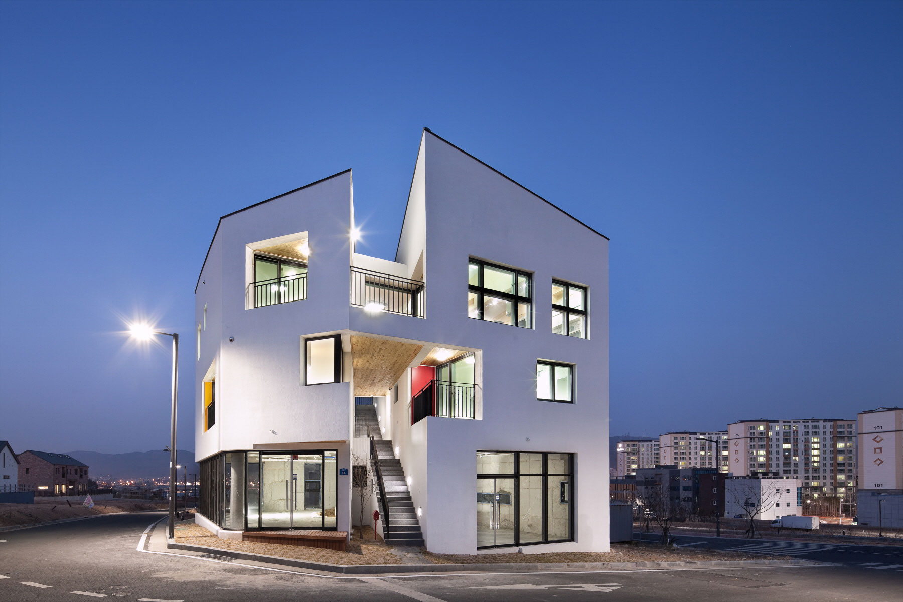 On Architecture Refurbish A Building In Ulsan South Korea