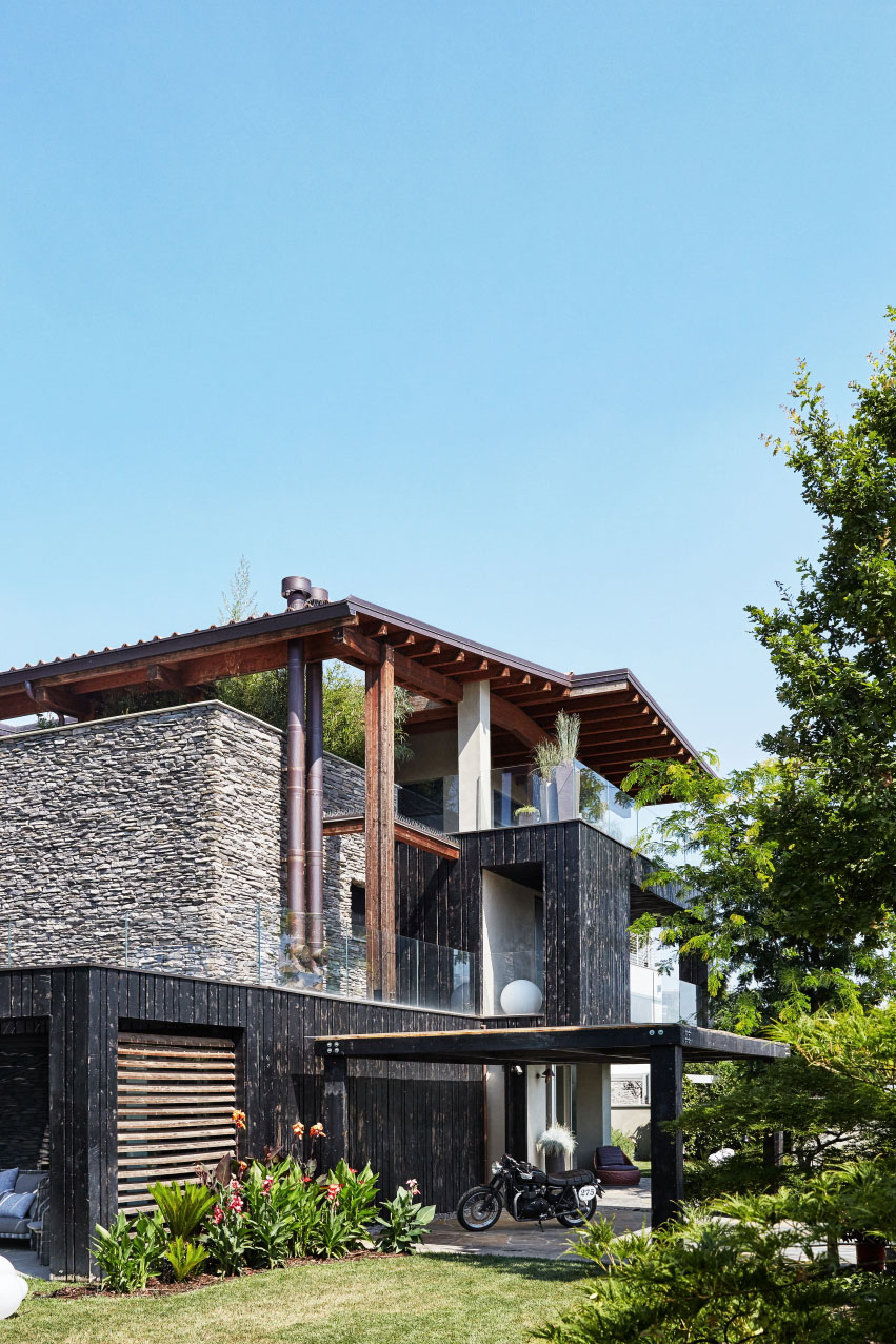 Private-House-Over-02