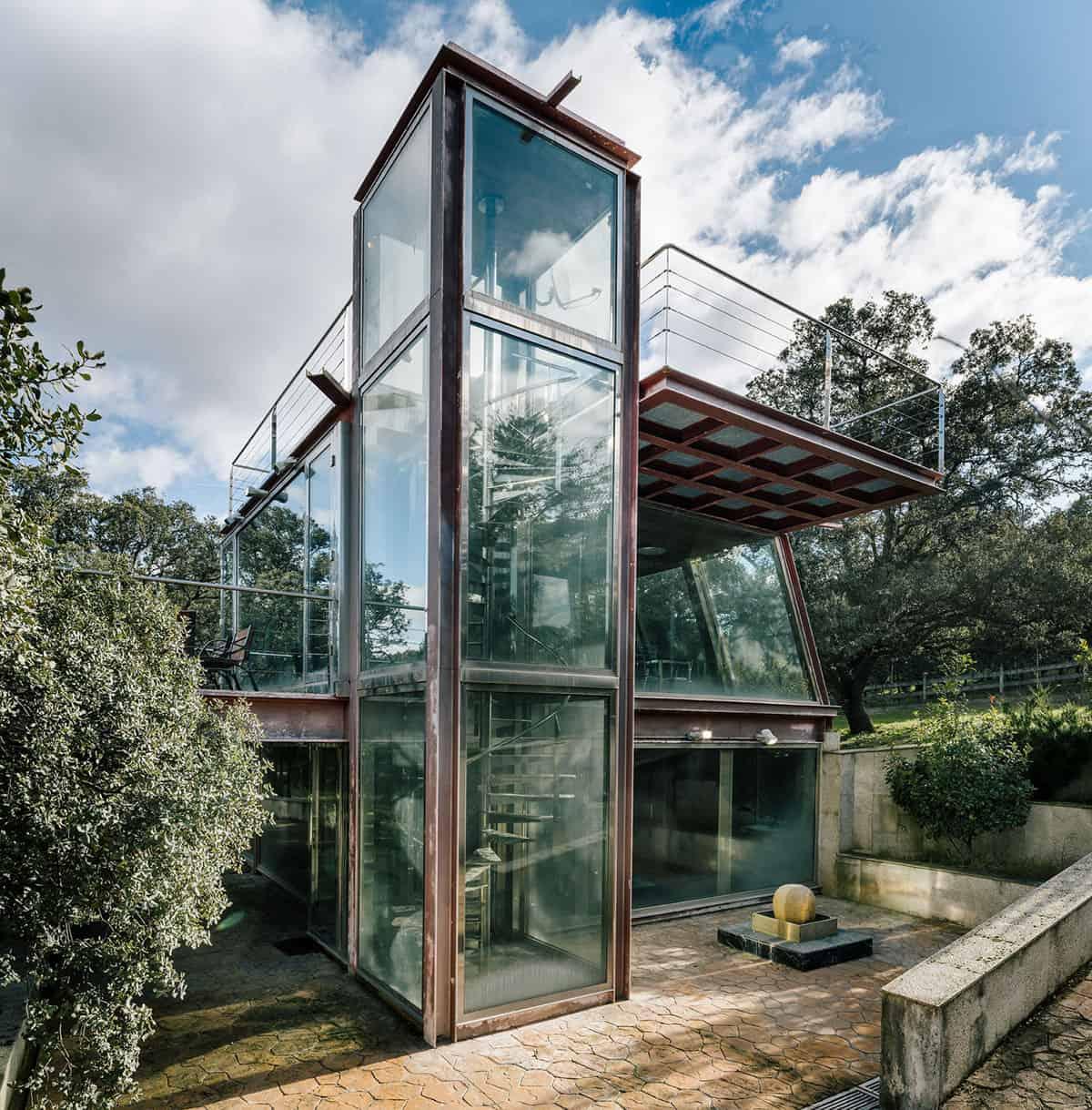 The-Hidden-Pavilion-04