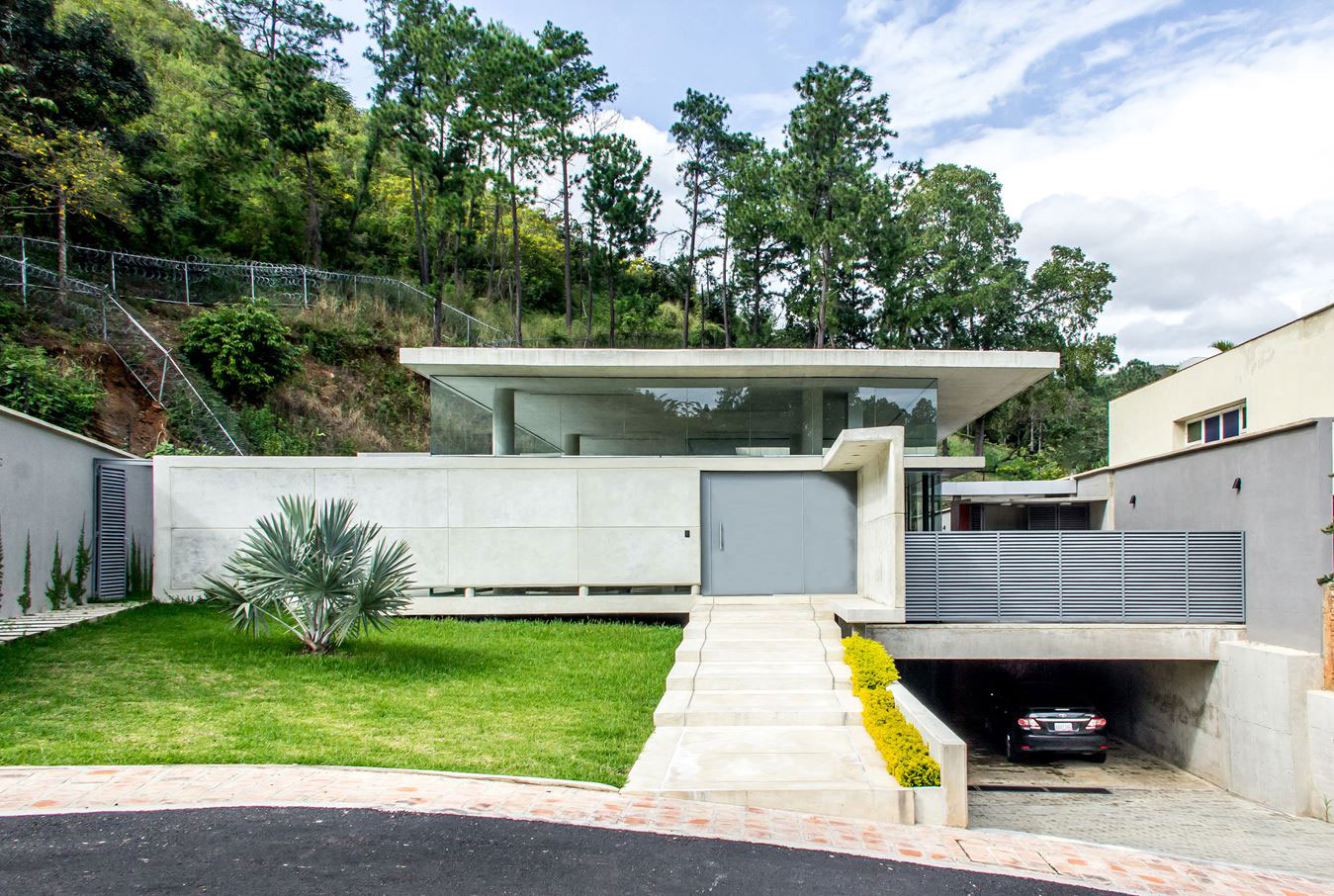 Nmd Nomadas Design A Contemporary Home In Valencia Venezuela