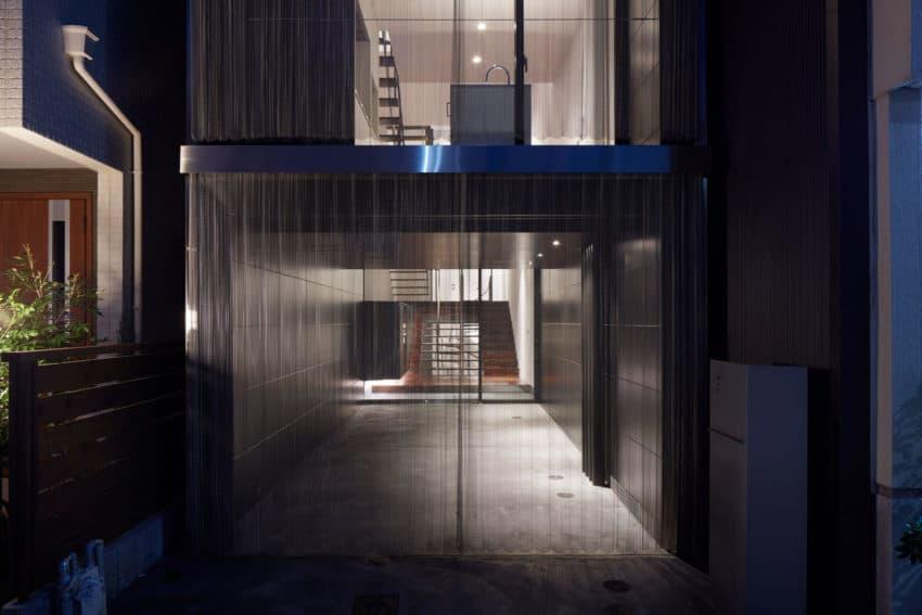 An Ingenious Vertical Home Honshu Osaka Japan