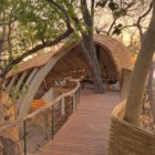 Solar-powered-safari-lodge-02