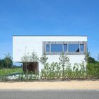 White-Concrete-House-01