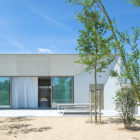 White-Concrete-House-03