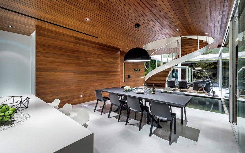 A-House-Designed-As-A-Floating-Box-04