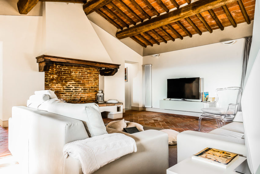 A Charming Tuscan Villa Surrounded By Olive Groves In Palaia Italy
