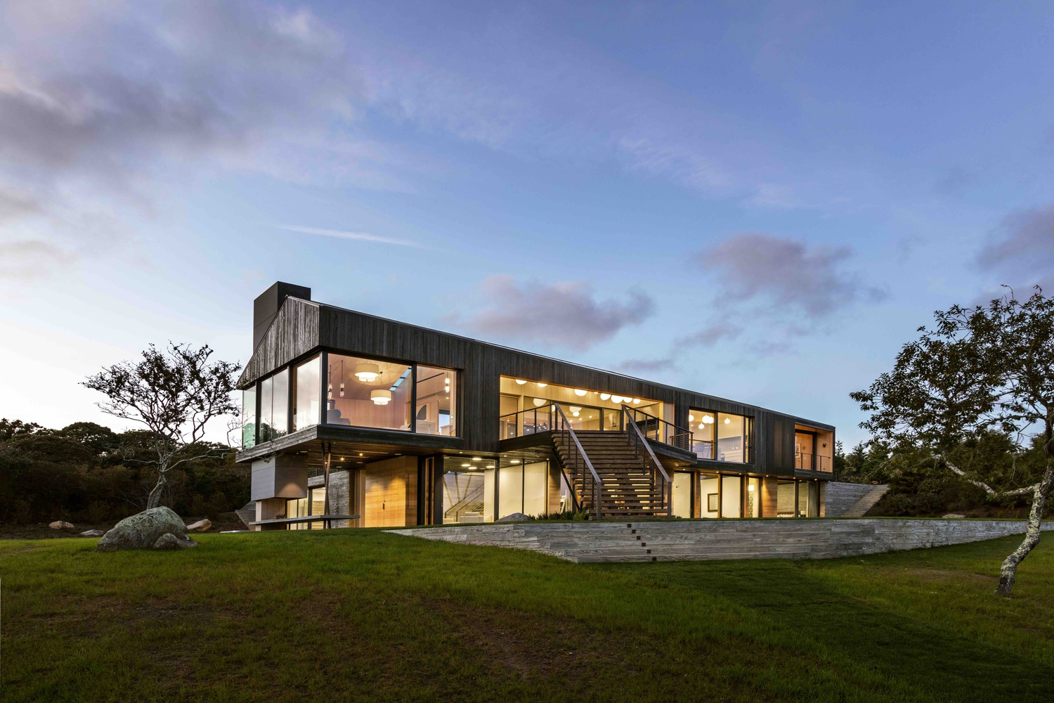 beautiful structure located in chilmark massachusetts designed for gray organschi architecture. Black Bedroom Furniture Sets. Home Design Ideas