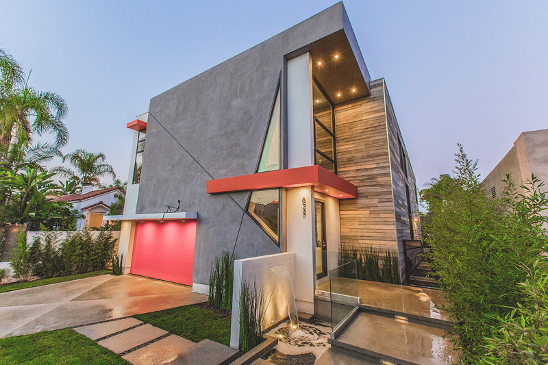 A colorful contemporary house in los angeles california for Modern house design los angeles