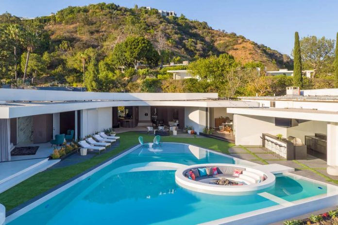 Luxurious-Midcentury-Los-Angeles-Residence-02