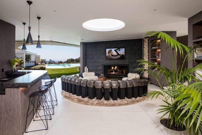 Luxurious-Midcentury-Los-Angeles-Residence-07