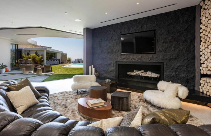 Luxurious-Midcentury-Los-Angeles-Residence-08