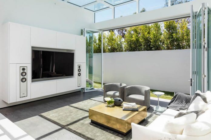 Luxurious-Midcentury-Los-Angeles-Residence-15