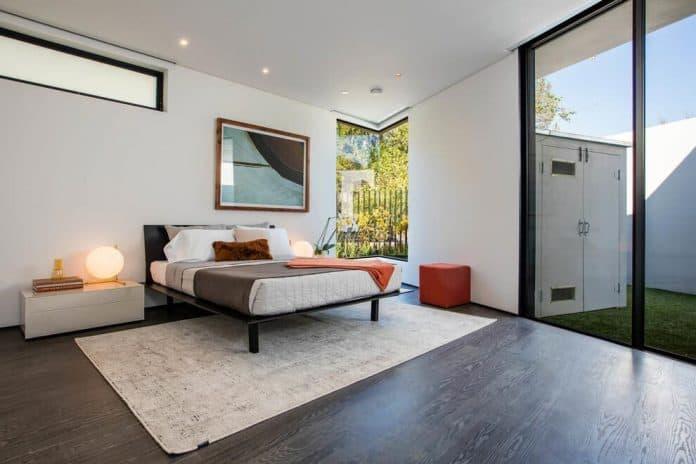 Luxurious-Midcentury-Los-Angeles-Residence-22