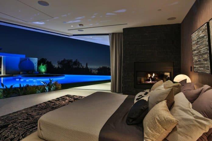 Luxurious-Midcentury-Los-Angeles-Residence-33