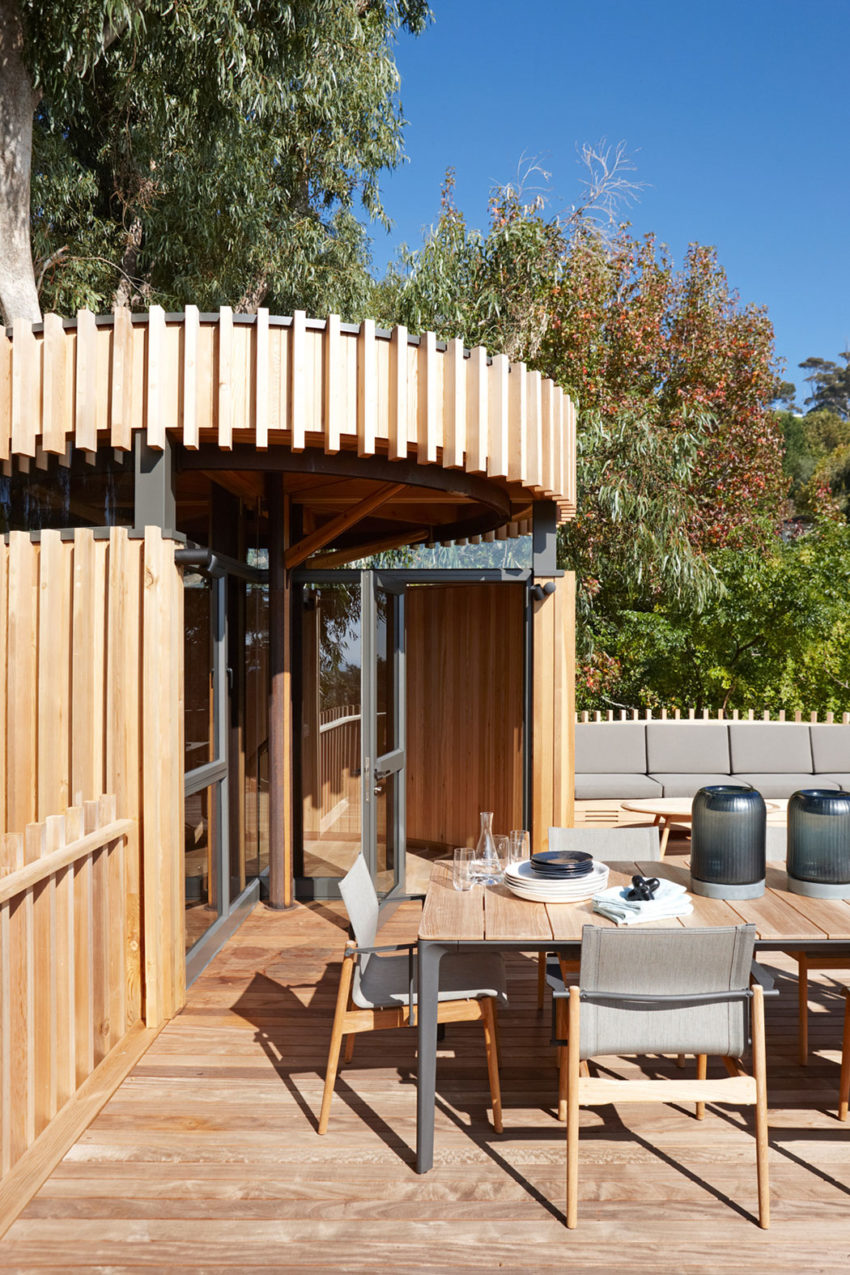 a contemporary tree house near cape town south africa