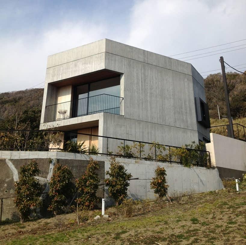 Nobuo Araki Designs A Concrete Home In The Kanagawa Prefecture