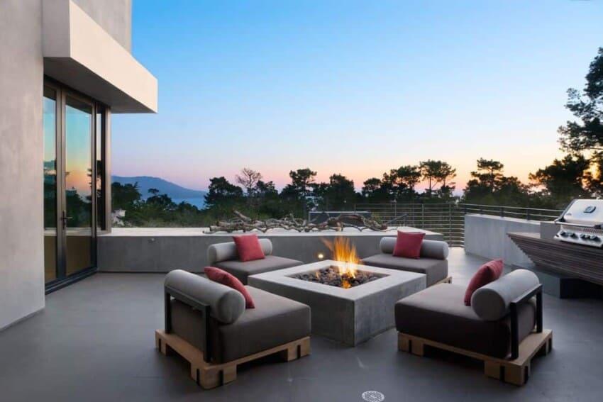 Conrad | Asturi Studios Design a Spacious Contemporary Home in ...