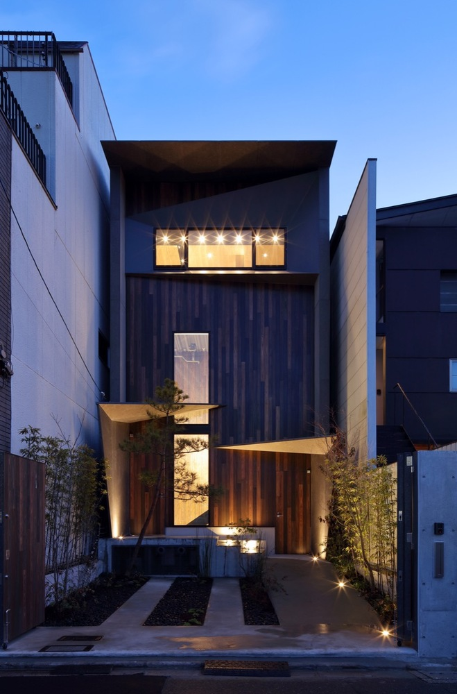 Japanese Architectural Firm Atelier Boronski Designed a Sophisticated Riverside Villa Located in Kyoto