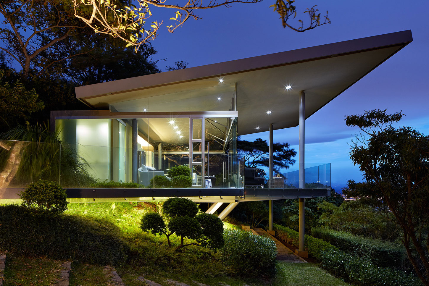 Steel And Glass Costa Rican Home By Ca 241 As Arquitectos