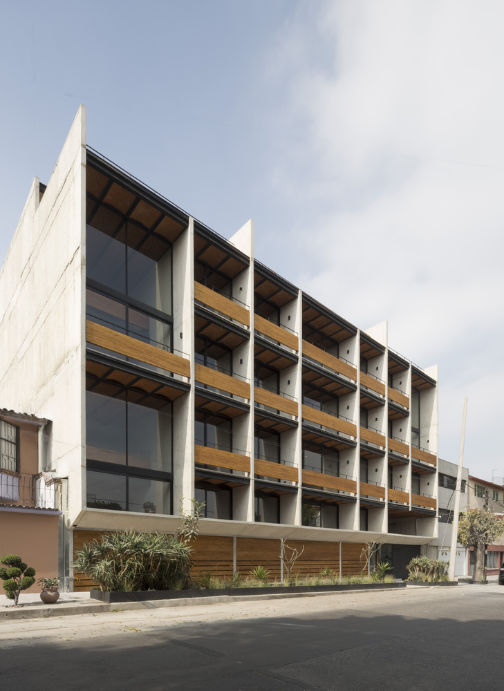 Dellekamp Designed this Apartment Building Located in Mexico City, Mexico