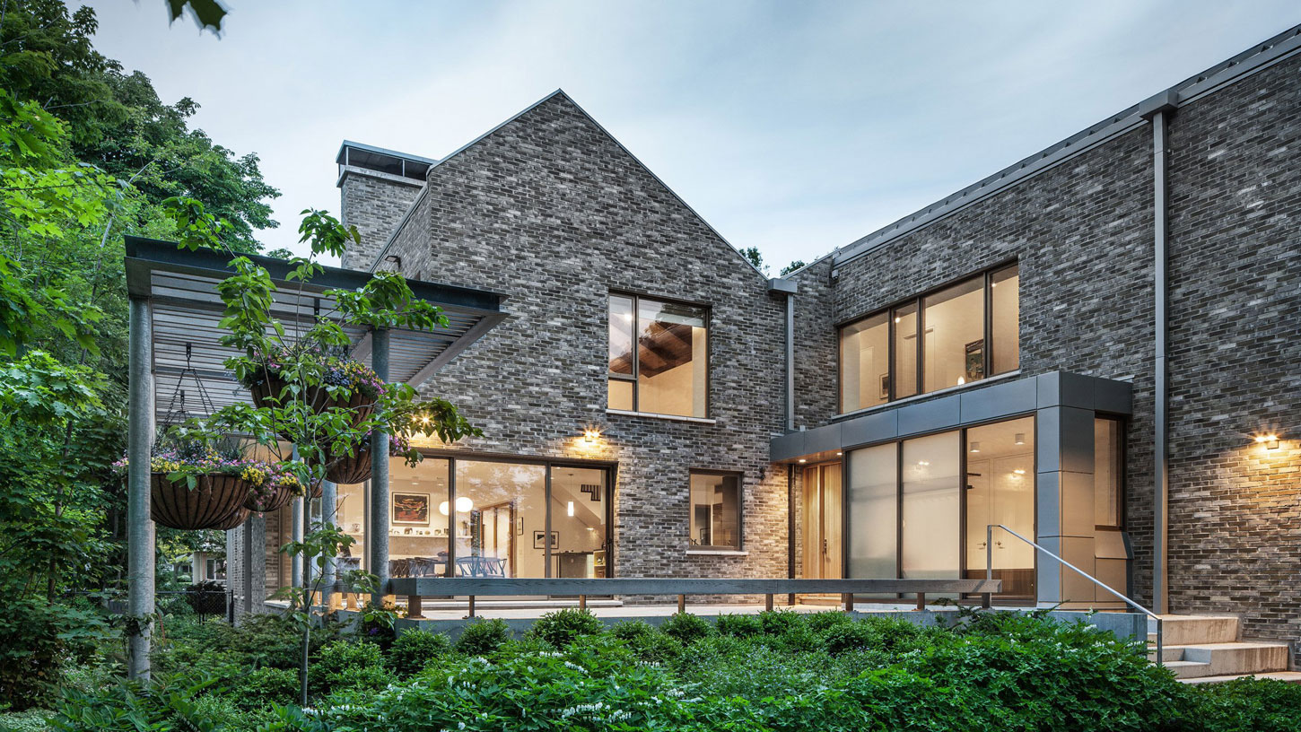 Waterfront Farm Residence In Canada Was Designed By The