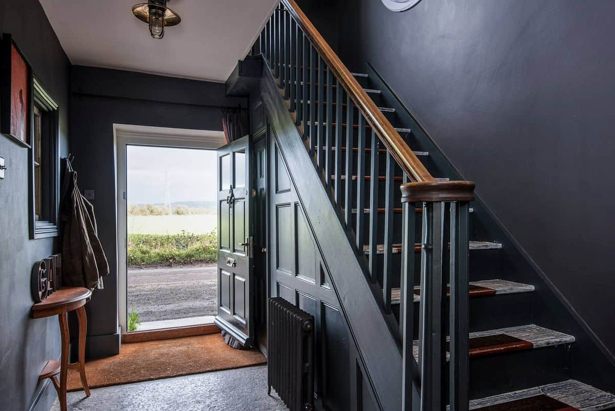 Magical combination of styles in a georgian farmhouse for Georgian staircase design