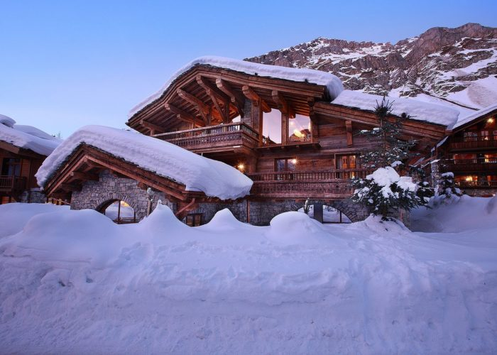 Mountain Chalets That Keep You Warm All Year Round
