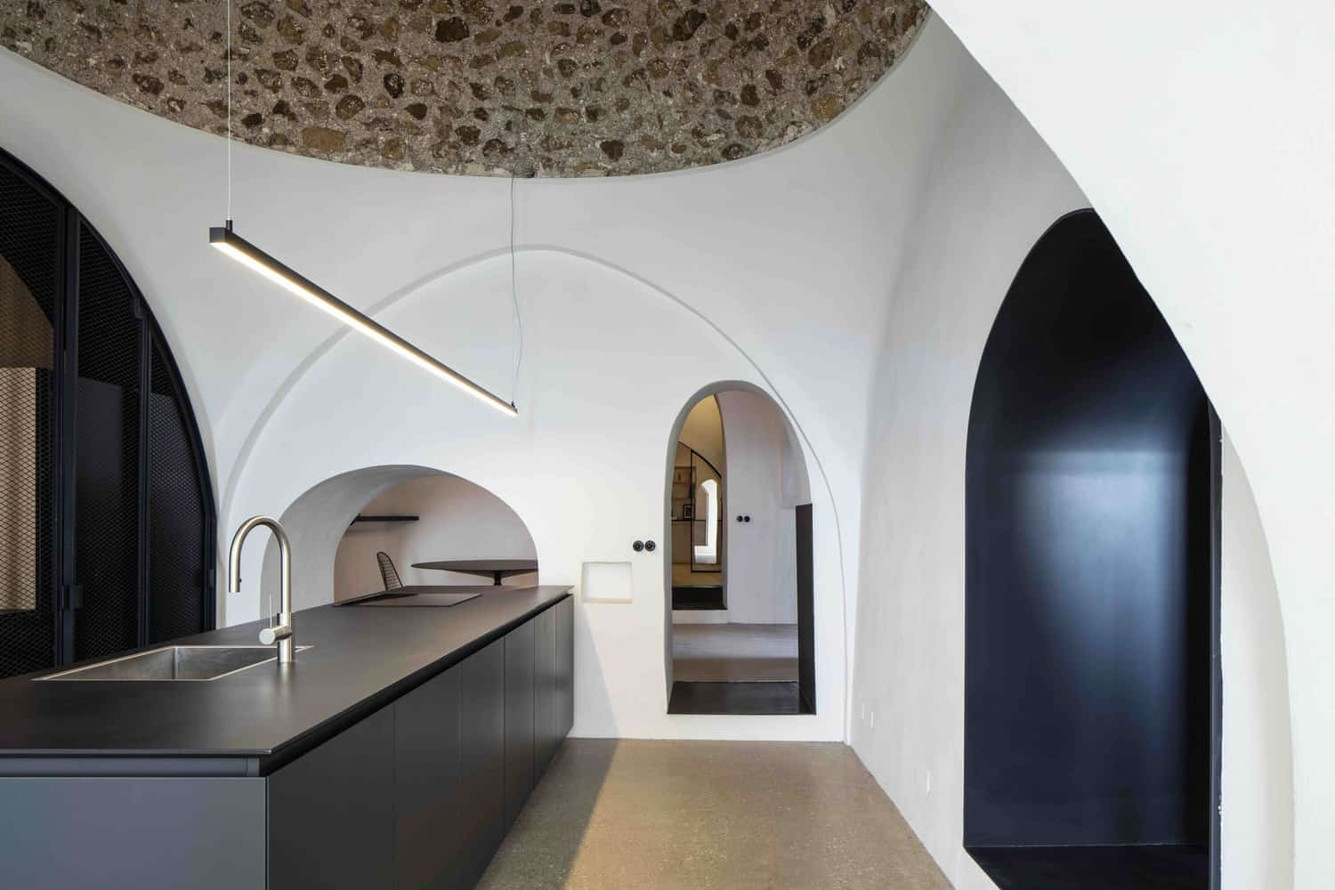 Pitsou Kedem Architects Design a Spectacular Private Residence in Tel Aviv, Israel
