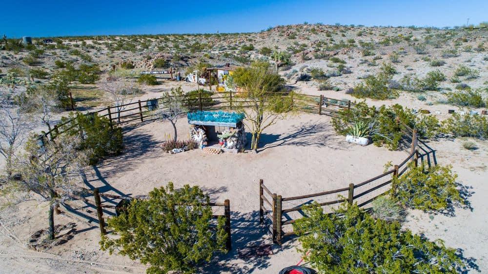 Mojave-Rock-Ranch-02