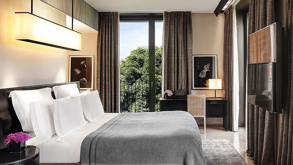 Refined and elegant bulgari hotel in the city of milan italy for Design hotel milano
