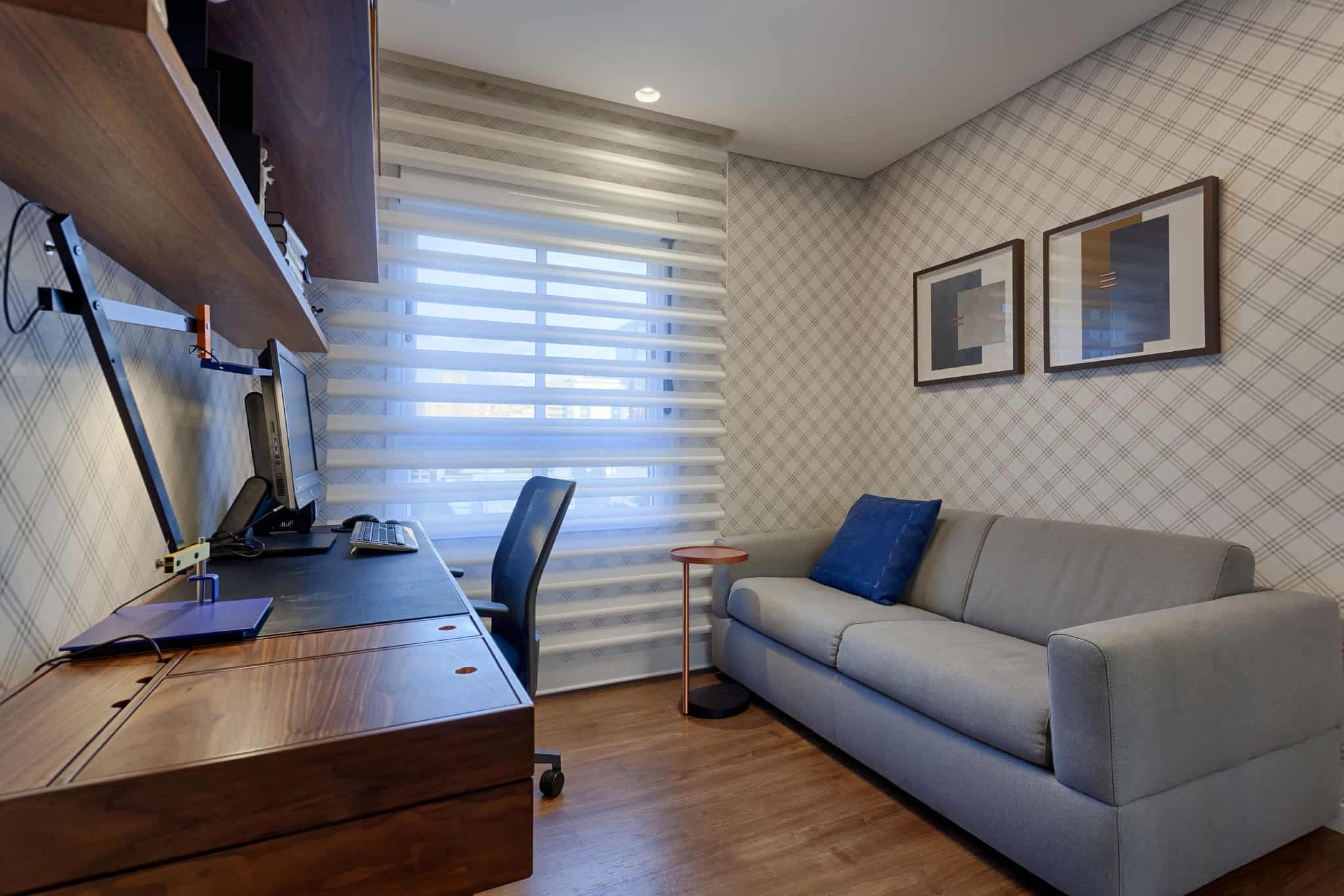 Fresh-colors-apartment-24