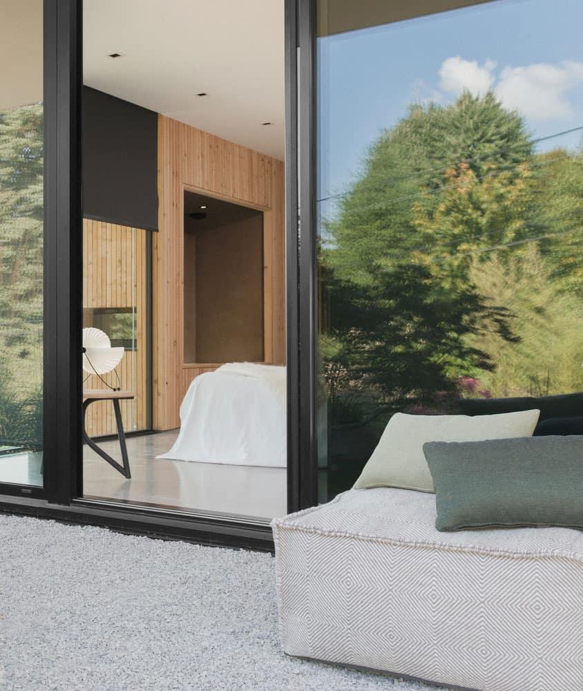 barres coquet design a magnificent home in lyon france. Black Bedroom Furniture Sets. Home Design Ideas