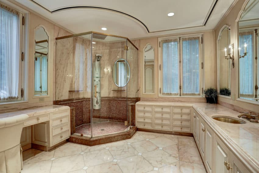 Lovely  in gallery Large bathroom