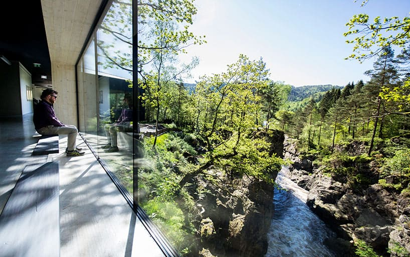 Visitor Center Designed by the Firm Review & Drage in Oslo