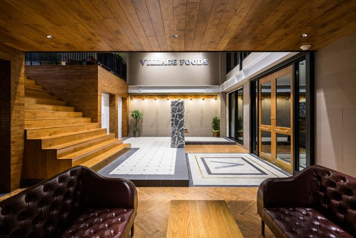 Design creative associates designs an office in tahara for Japanese office interior design
