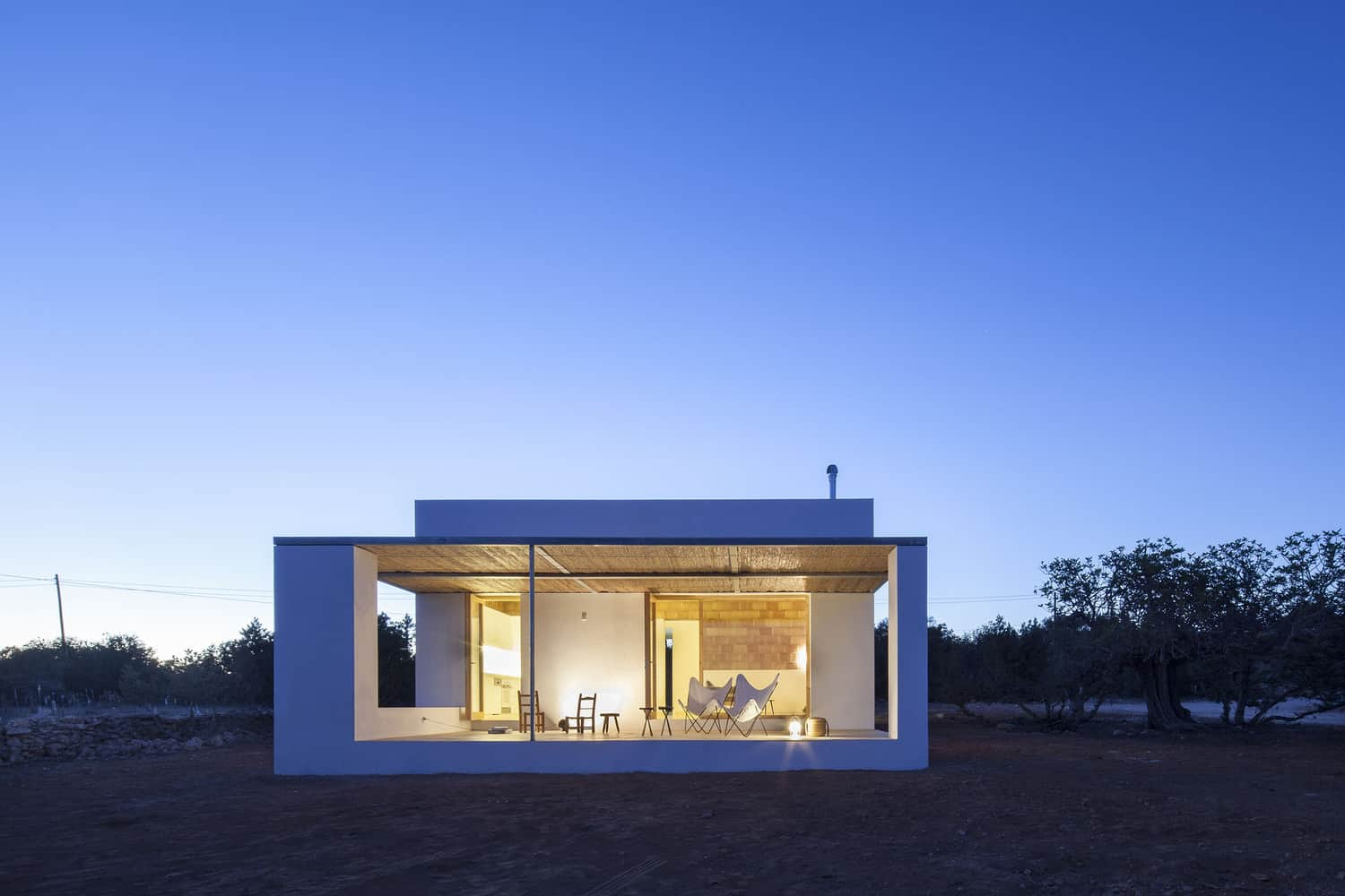 Small House on the Fabulous Island of Fomentera Designed by Marià Castelló