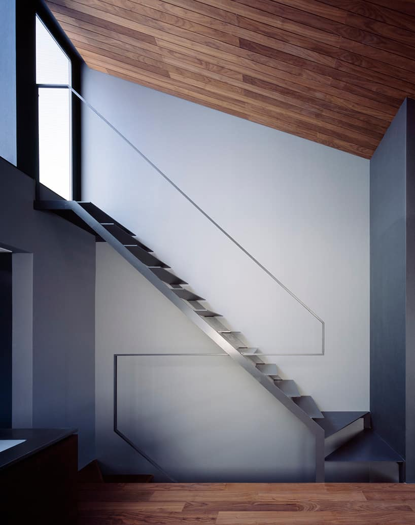 Narrow and Minimalist House located in Eastern Tokyo, Japan on small apartment building in japan, houses in tokyo japan, tall skinny building in japan, narrow house interior design, micro houses in japan,