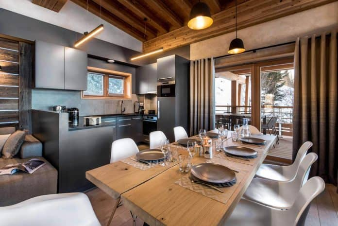 Contemporary-Mountain-Style-Apartment-In-Les-Arcs-07