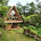 Go-Way-Off-Grid-In-This-Beautiful-Bamboo-Hut-02