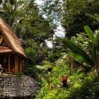 Go-Way-Off-Grid-In-This-Beautiful-Bamboo-Hut-04