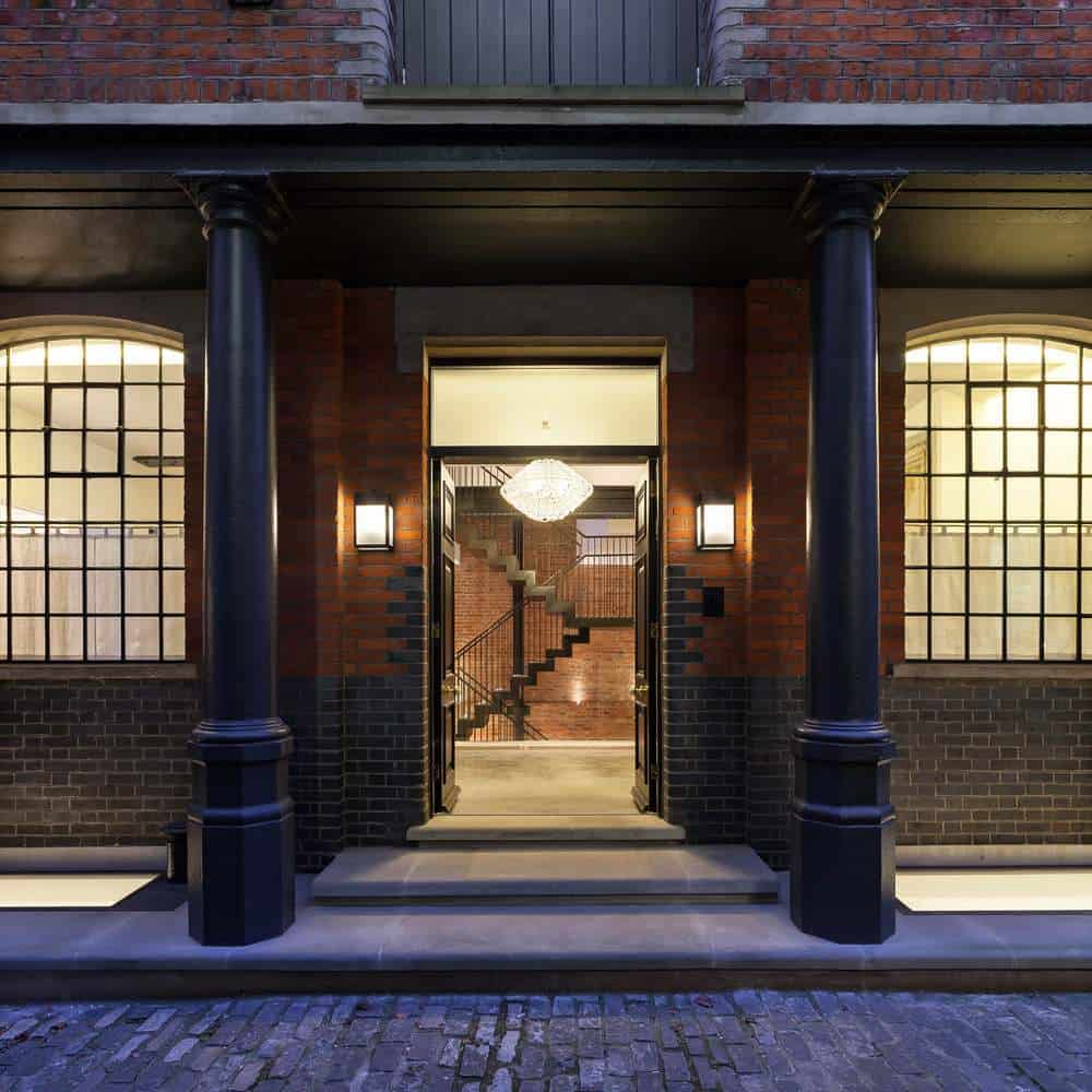 A Wonderful Property from 1900 Becomes a Modern and Elegant Home