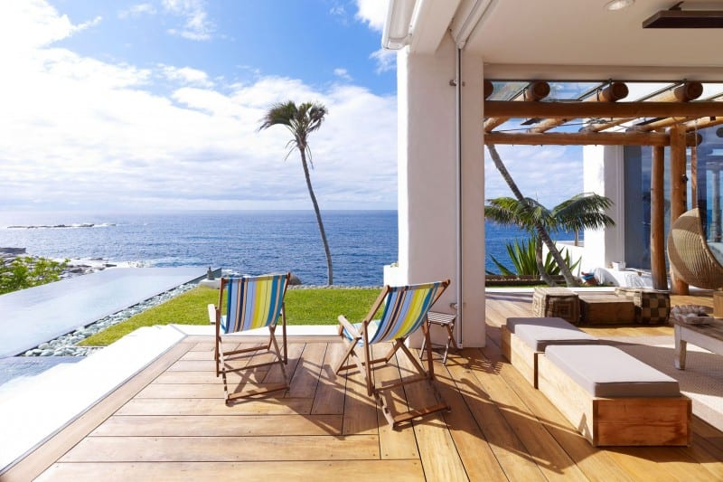 10 Properties With Waterfront Views That Will Make You Jealous