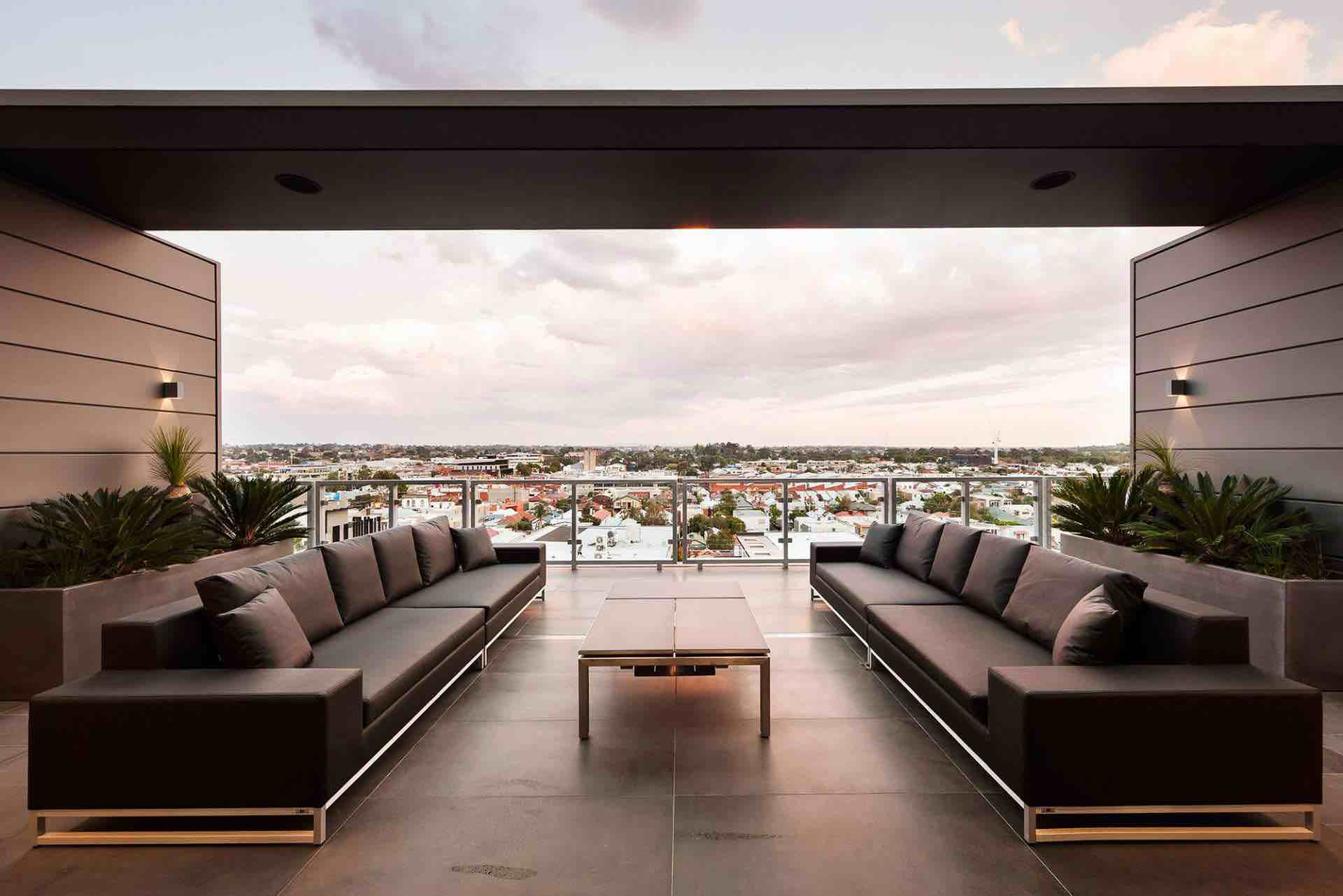 Luxurious penthouse with incredible views over the city of melbourne australia