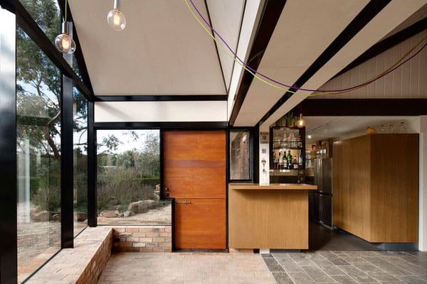 Wonderful Transformation of an Old Building in a Modern Villa Full of Light