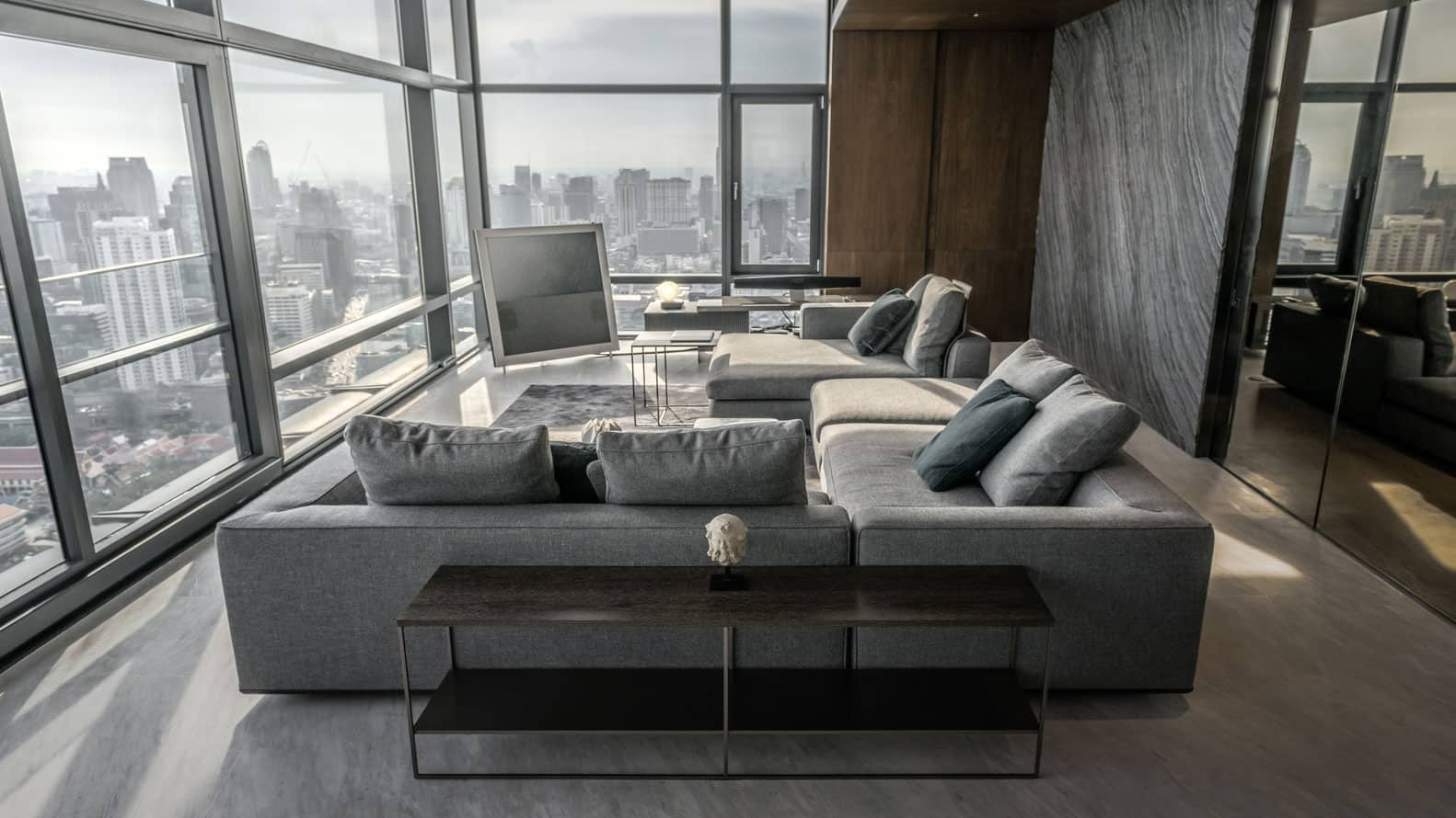 Elegant And Majestic Apartment With Views Over The City Of