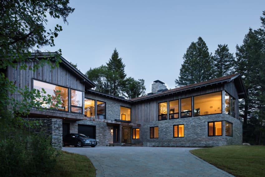 Spectacular holiday home designed to house a large family for Big family house