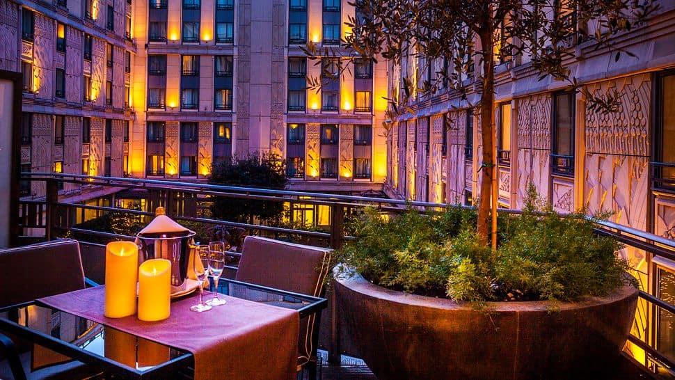 Elegant Hotel In The Heart Of Paris