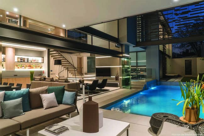 Modern and Elegant House with Open Spaces