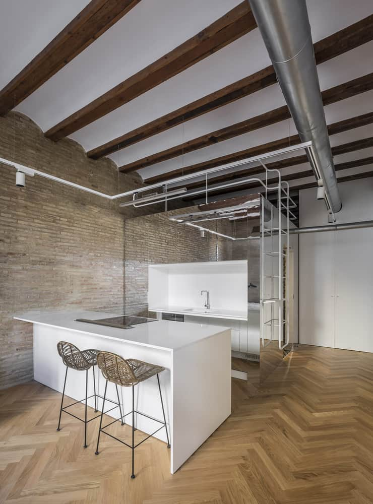 Magnificent Remodeling of a Temporary Rental Apartment in Valencia, Spain